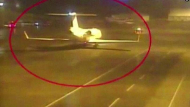 Imagem da TV turca mostra aeronaves supostamente envolvidas no desaparecimento do jornalista saudita Jamal Khashoggi