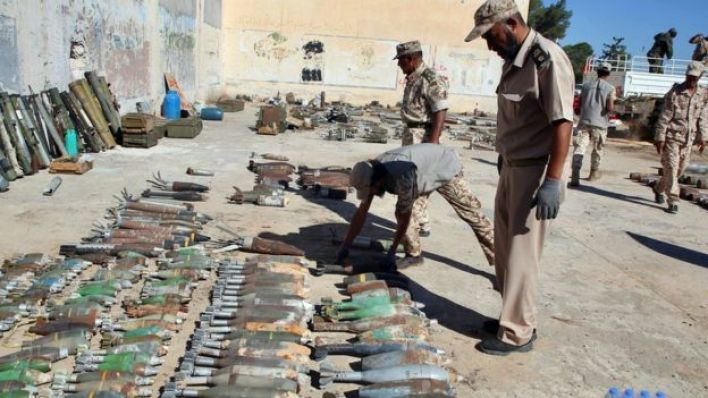 بدأ تدفق الأسلحة على ليبيا مع بدء الحراك الشعبي للإطاحة بحكم العقيد القذافي