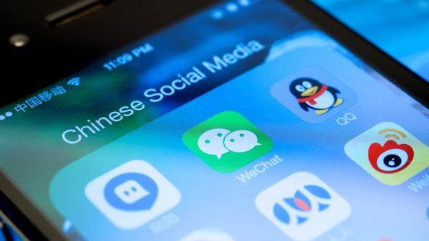 Celular com aplicativos chineses