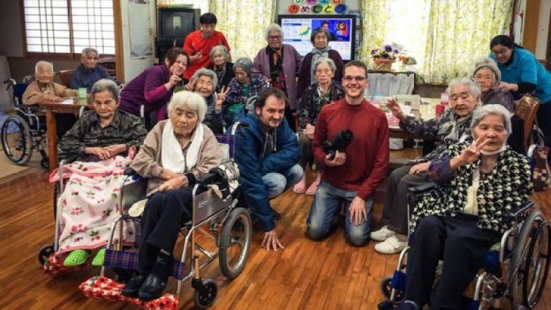 Франсеск Миралес, Хектор Гарсия и столетние жители Окинавы, с которыми они встречались