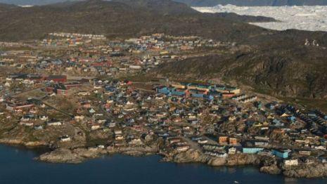 Vista de cidade na Groenlândia