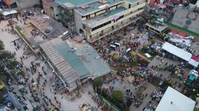 Vista aérea del Colegio Enrique Rébsamen, en el barrio Coapa, en el sureste de Ciudad de México, parcialmente derrumbado por el terremoto de magnitud 7,1 que azotó México el martes.