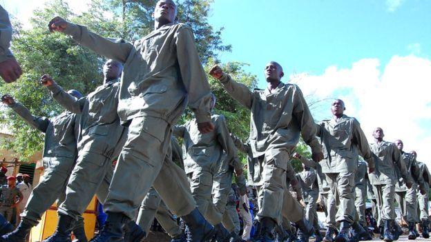 Mais ce qui préoccupe le gouvernement, c'est que selon certains responsables du renseignement, des anciens soldats du régiment de sécurité présidentiel, le RSP, ont prêté main-forte à Ansarul Islam.