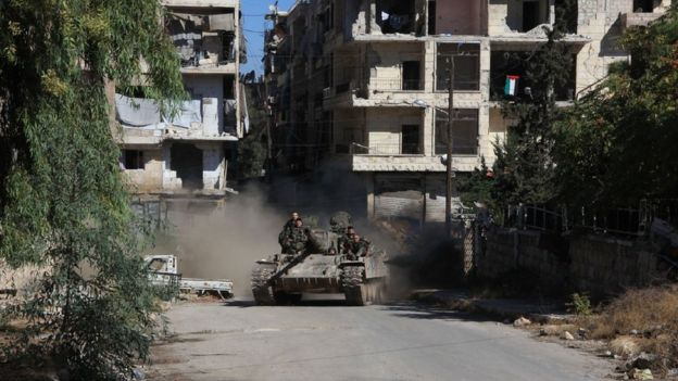 Syrian government forces in Aleppo's Suleiman al-Halabi neighbourhood on September 30, 2016