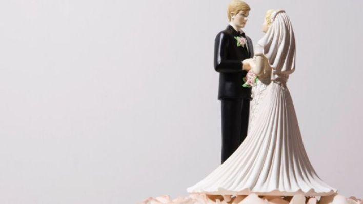 ماذا لو بادرت امرأة بطلب الزواج؟