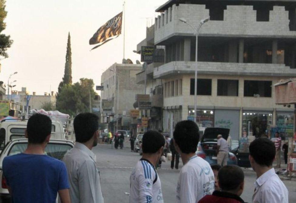 IŞİD bayrakları 2014 yılında Rakka'da dalgalanmaya başladı.