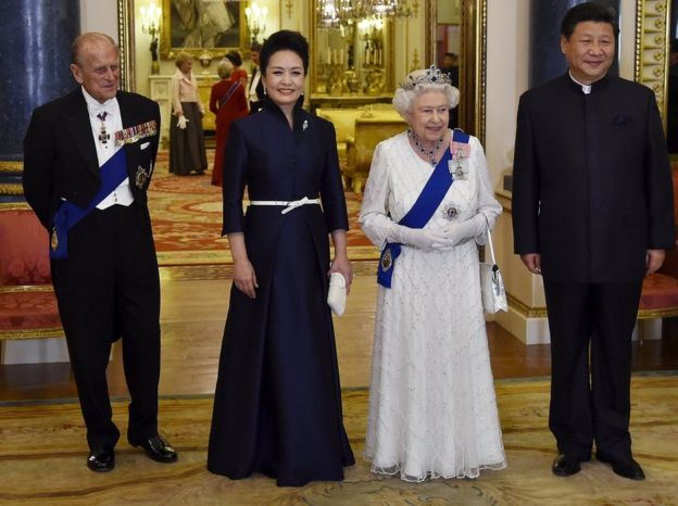 The Queen and Prince Philip alongside Chinese President Xi Jinping and his wife, Peng Liyuan,