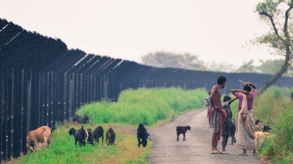 বাংলাদেশ-ভারত সীমান্তে কাঁটাতারের বেড়া