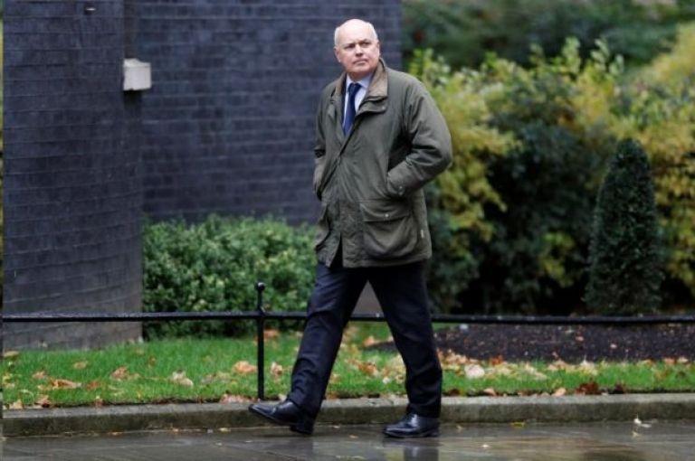 英国执政保守党高层人物之一,曾担任过保守党领袖的前工作与养老金大臣伊恩·邓肯·史密斯