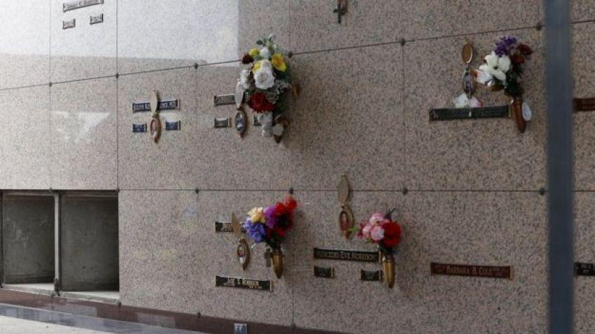 Mausoleum in Pearland Cemetery, 8 June