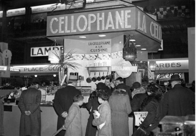 Celofane exibido em feira na França na década de 1920