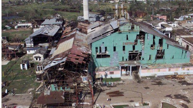Usina de açúcar em Cuba