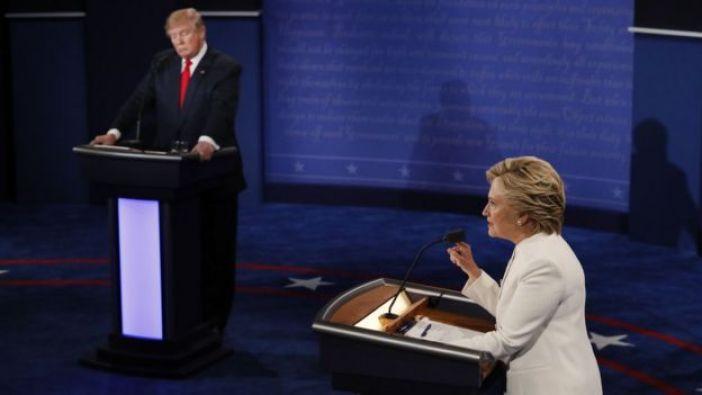 Donald Trump y Hillary Clinton en el tercer y último debate.