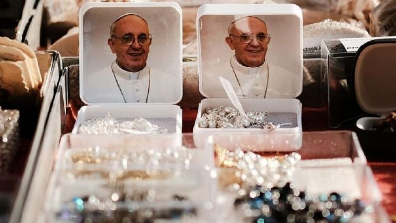 Souvenires do papa Francisco no Vaticano