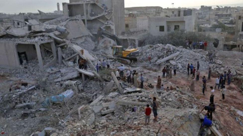 İdlib'in Zardana kasabasına 8 Haziran 2018'de düzenlenen Rus hava saldırısırında yaklaşık 40 sivilin öldüğü tahmin ediliyor.
