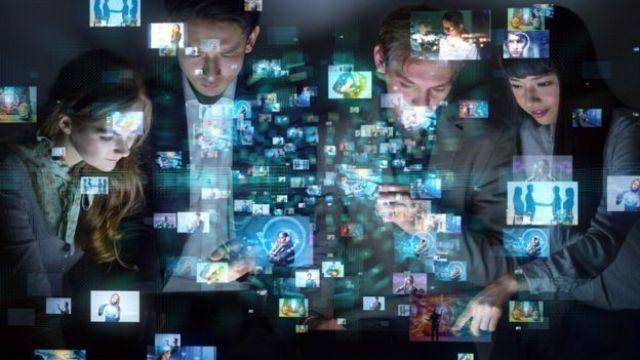 Pessoas e telas - inteligência artificial