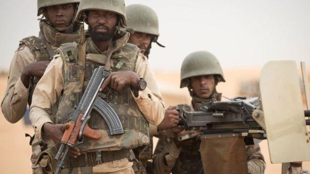 Le Burkina Faso fait partie du G5 Sahel, une force régionale de cinq pays, créée en septembre 2017 pour combattre les djihadistes.
