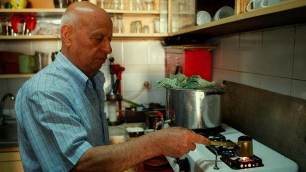 يعتقد الباحثون أن القهوة اليونانية لها فوائد عديدة للصحة لأنها تحتوي على مركبات مضادة للالتهابات