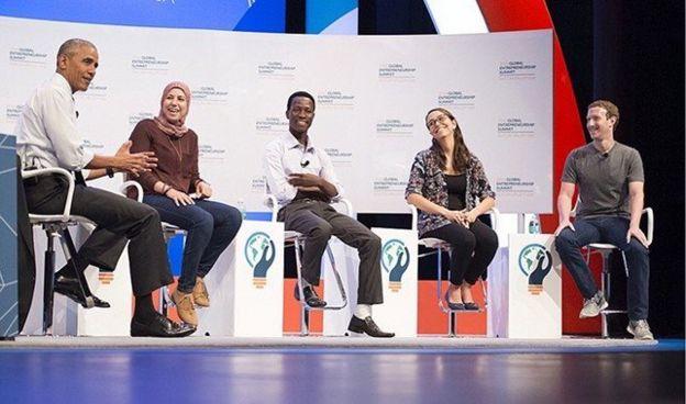 Mariana Costa con Barack Obama y Mark Zuckerberg.
