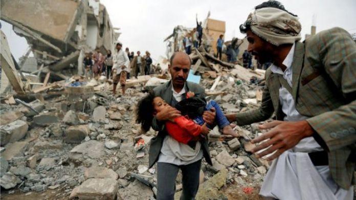 Gabadh oynaysa kaddib markii lagu soo qaaday weerar dhanka hawada ah oo Yemen lagu qaaday