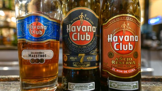 Botellas de ron Havana Club