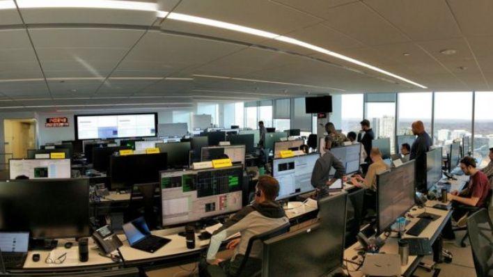 Sala de controle da OneWeb, nos Estados Unidos