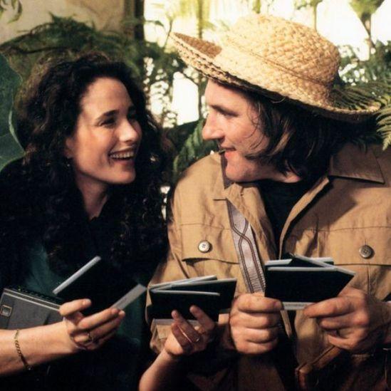 Andie MacDowell y Gérard Depardieu.