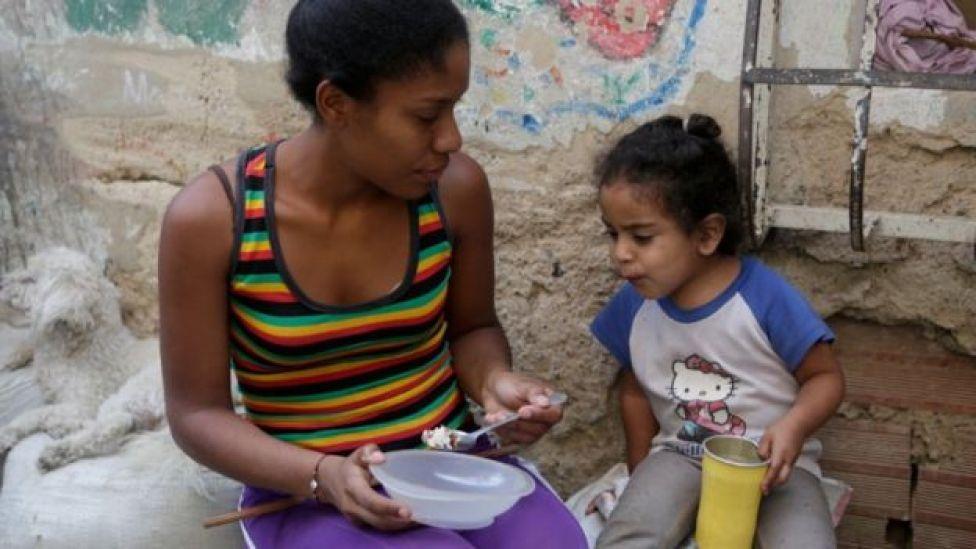 Un tercio de la población de Venezuela no recibe suficiente comida