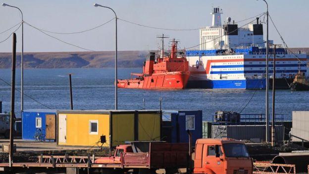 Buques en el Mar de Barents.