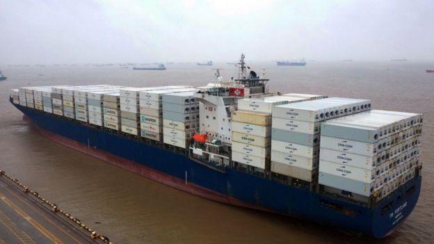 barco de mercancías chino