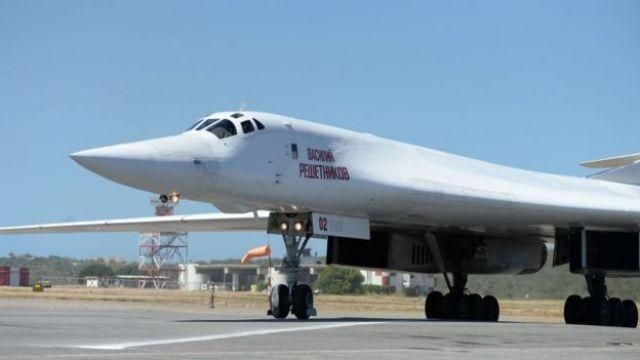 Avião Tu-160 em Caracas