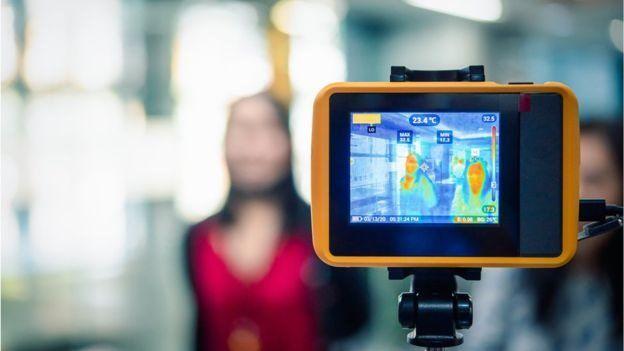 كاميرا تصوير حراري في أحد المطارات