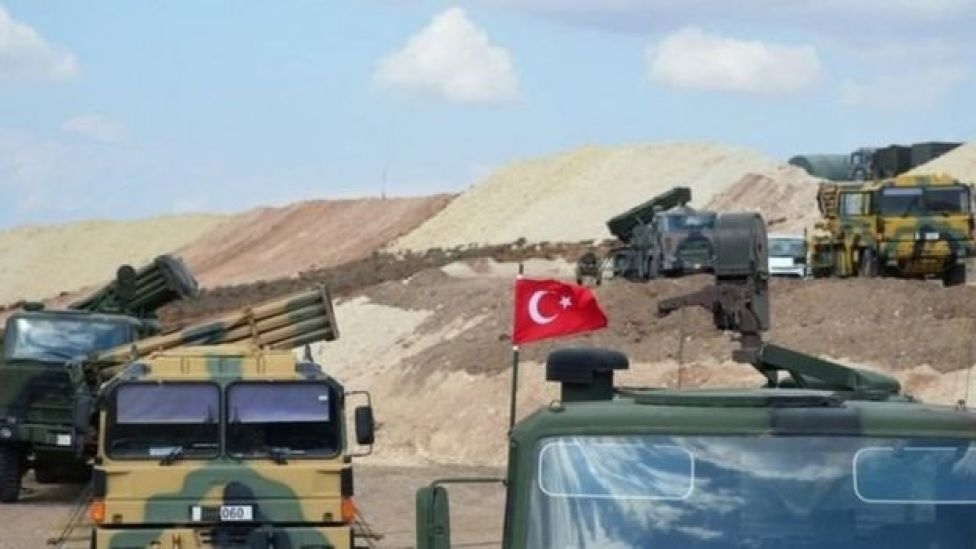 اليات عسكرية تركية في ادلب