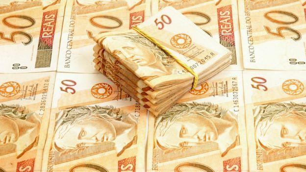 Diversas notas de R$ 50