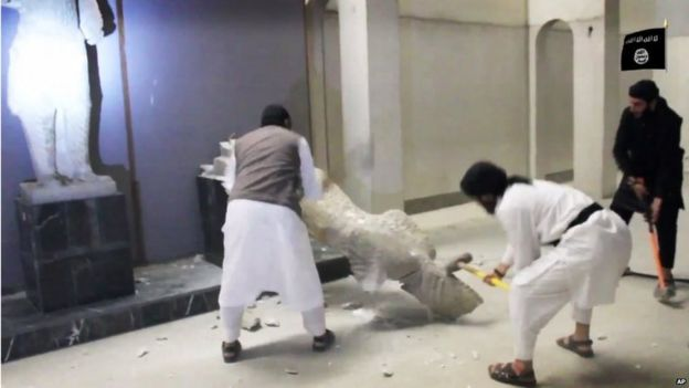 Islamic State militants smash statue in Nineveh Museum, Mosul (Feb, 2015)