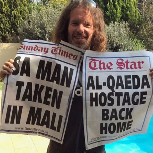 Stephen McGown con la tama de los diarios (Foto: Stephen McGown)