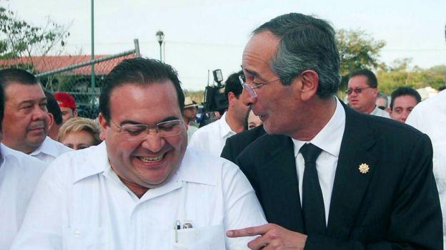 Javier Duarte es el gobernador más cuestionado de México. Aqui con el expresidente de Guatemala Álvaro Colom.