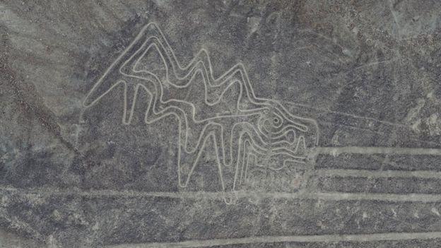 Imagen zoomorfa recientemente restaurada en Palpa.