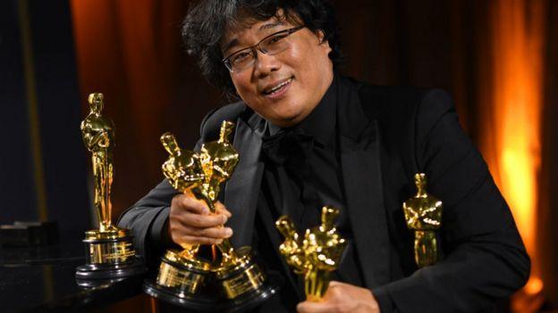 Director con sus Oscar