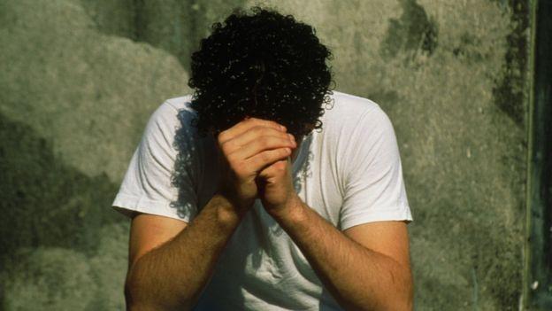 Joven deprimido