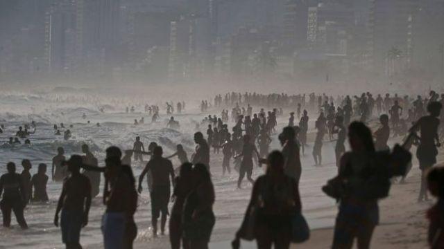Praia de Ipanema, no Rio de Janeiro, durante verão