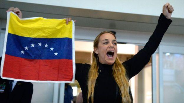 Lilian Tintori a su llegada al aeropuerto tras un viaje a Estados Unidos.