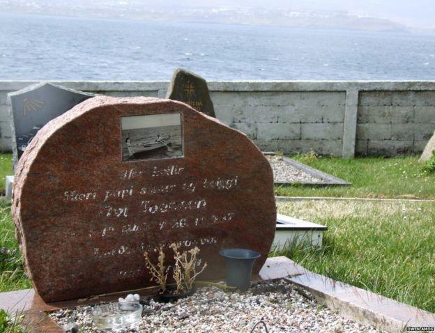 Ove Joensen's grave