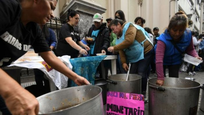 Ollas comunes en medio de protesta en Buenos Aires