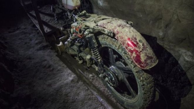 """""""El Chapo"""" tünelde sürmek için özel tasarlanmış bir motosikletle kaçtı"""