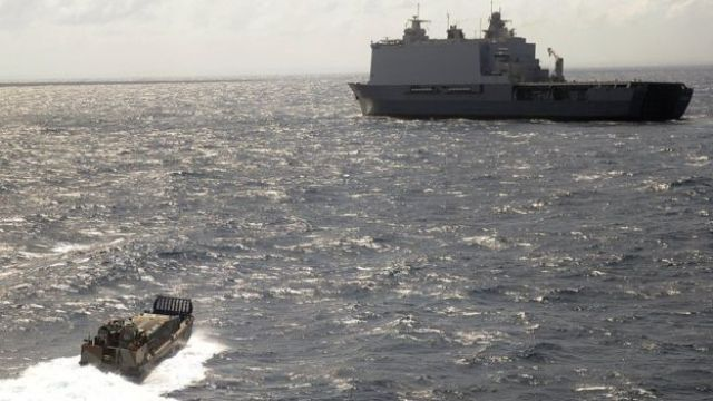 The EU Naval Force patrols off the coast of Mogadishu to thwart any potential pirate attacks in the region, 5 September 2013