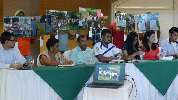 Conferencia de prensa de los pobladores de Azacualpa