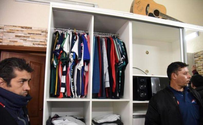 El armario de la habitación del narcotraficante Jarvis Chimenes Pavao en la prisión de Tacumbú, Asunción.