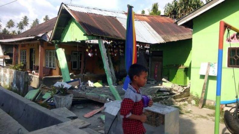 Esta imagen distribuida por la Agencia Nacional de Mitigación de Desastres de Indonesia muestra destrozos ocurridos en la localidad de Donggala.