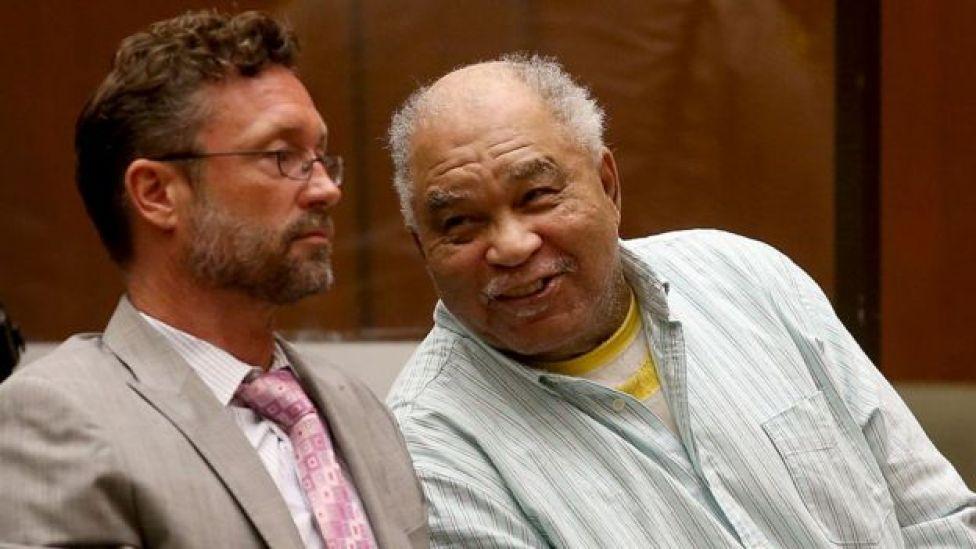Samuel Little com seu advogado em 2014
